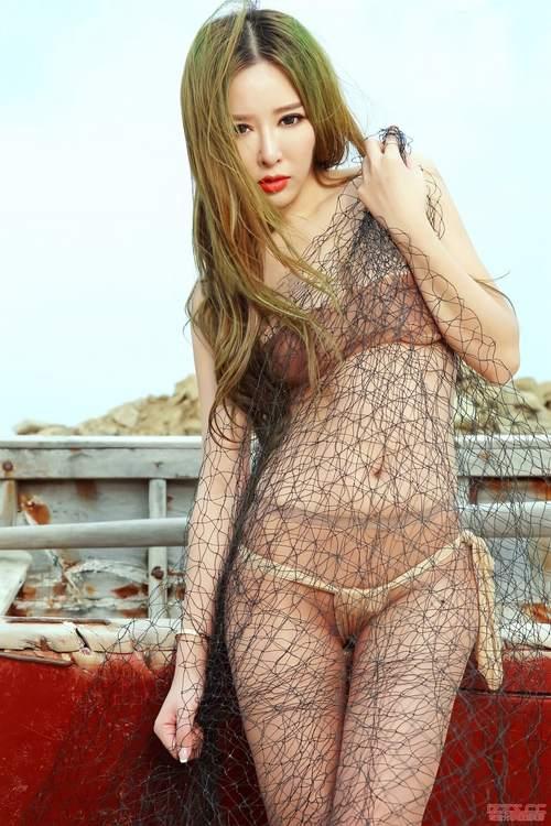 AISS爱丝套图5009沙滩女神