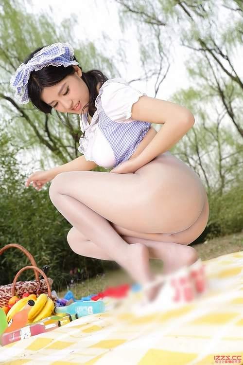 AISS爱丝套图5012假日野餐