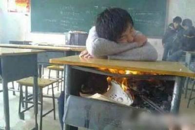 上课睡觉不冷了(有趣搞笑的图片)